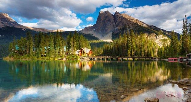 4-3593-Emerald-Lake-Lodge.jpg