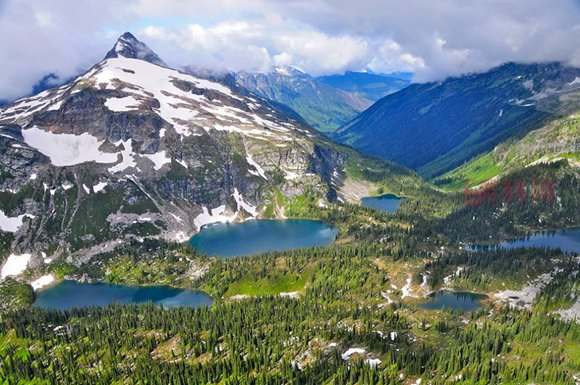 Mount-Revelstoke-National-Park.jpg